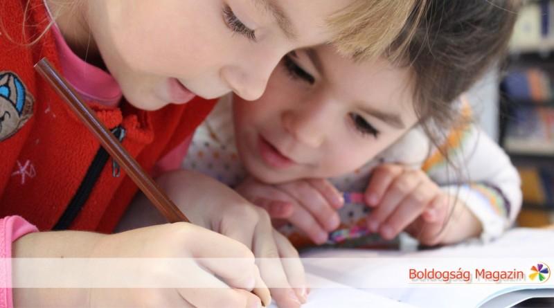 A boldogság összefügg az oktatással