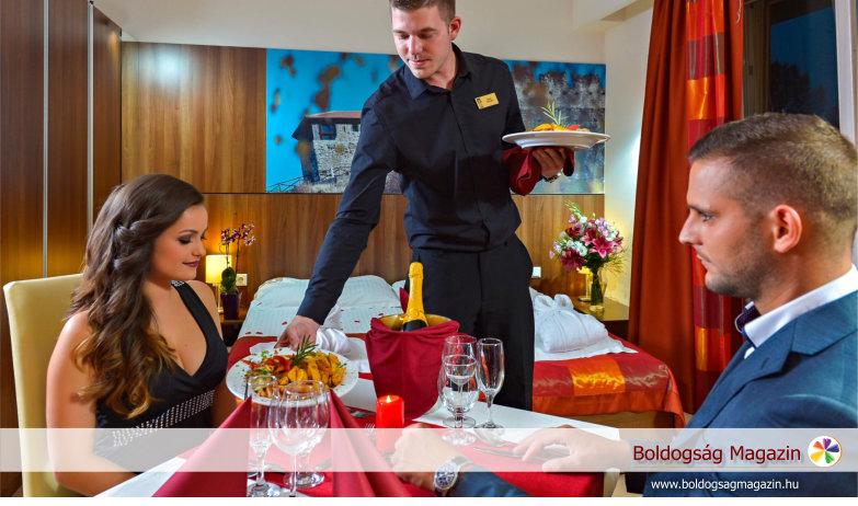 Royal Club Hotel.